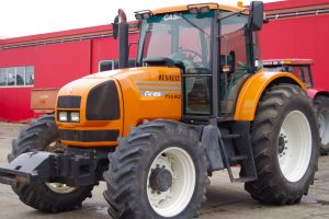 Tractor Renault Ares 735 RZ